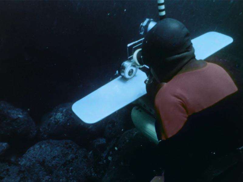 spedizione subacquea di angola sotto l'oceano