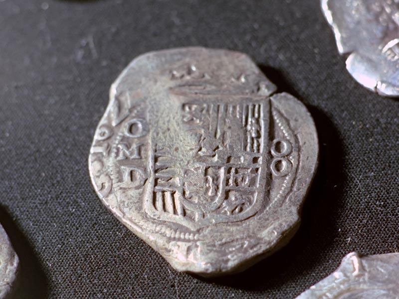 moneta ritrovata durante l'operazione van lynden