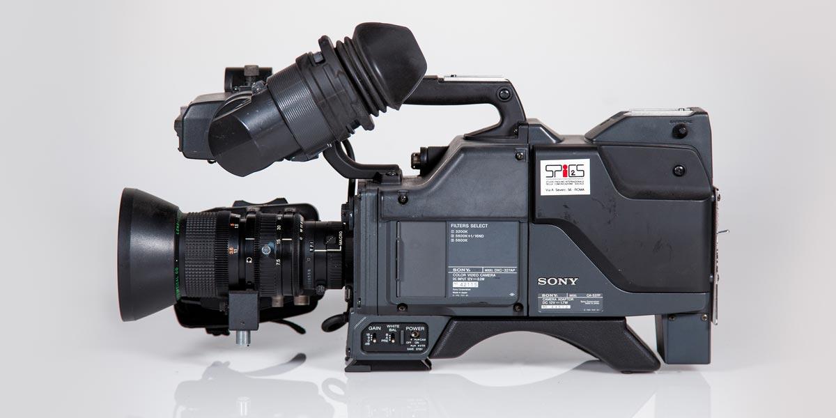 SONY-DXC-327-lato-A recupero apparecchiature