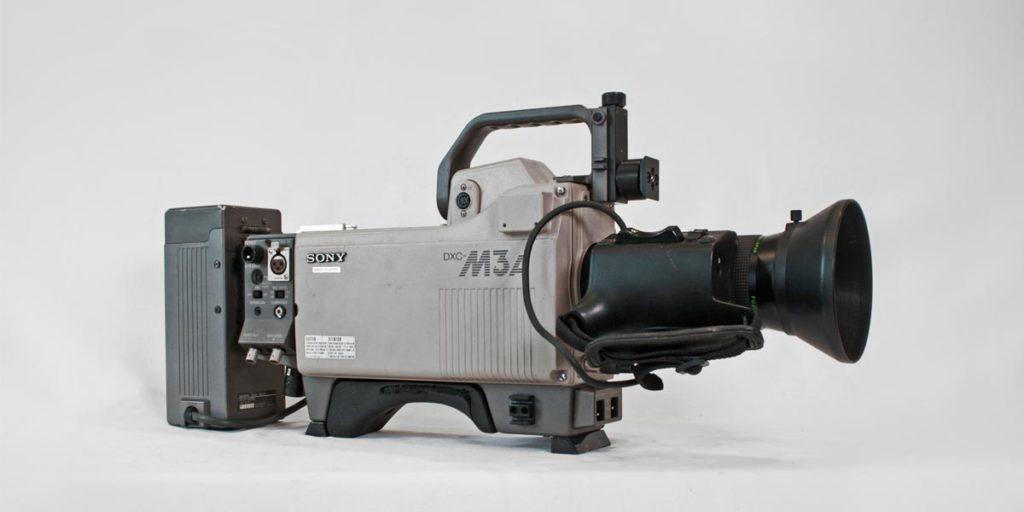 SONY DXC M3A lato B recupero apparecchiature