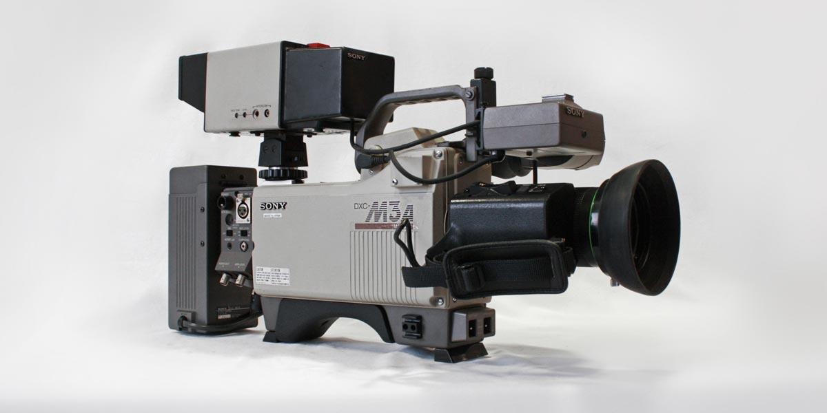 SONY DXC M3A lato C recupero apparecchiature